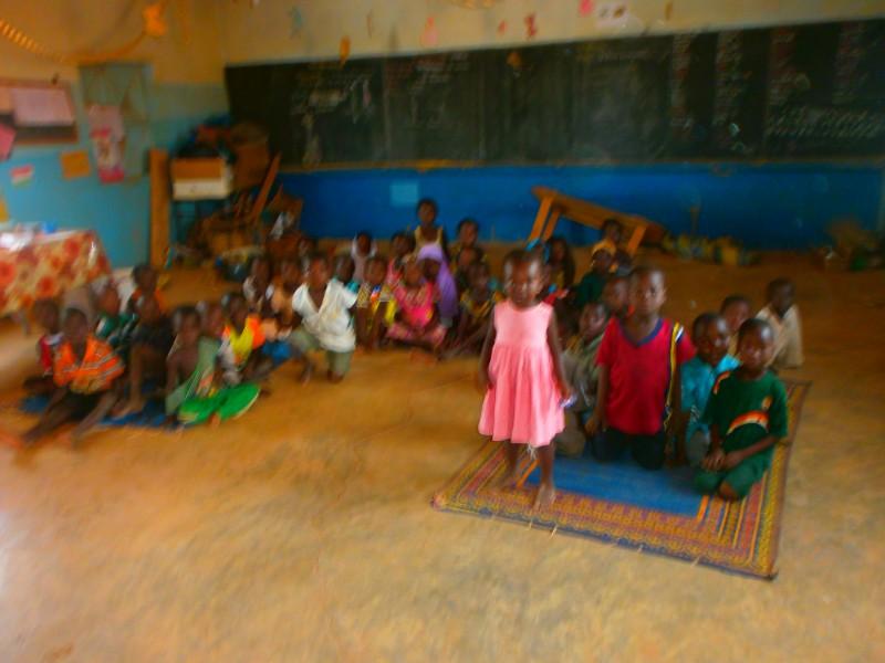 Salle de classe dans une école primaire au niger